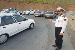پلیس در کنترل ورودی شهرها با عوامل بهداشت و درمان همکاری دارد
