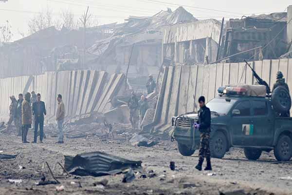افغانستان میں خود کش حملے میں 18 اہلکار ہلاک