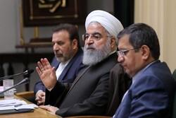 دستور روحانی به بانک مرکزی/ ارز واردات ماسک و لباس پزشکی اولویت اول شد