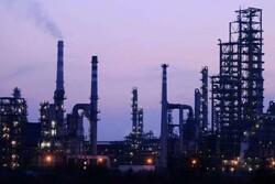 سقوط سود پالایش بنزین در آمریکا