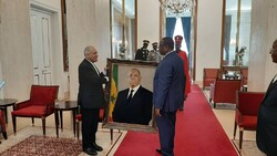 Iran's new amb. submits credentials to Senegal president