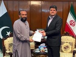 کراچی میں ایدھی فاؤنڈیشن نے ایران کو 2 لاکھ ڈالرکا امدادی چیک دیا