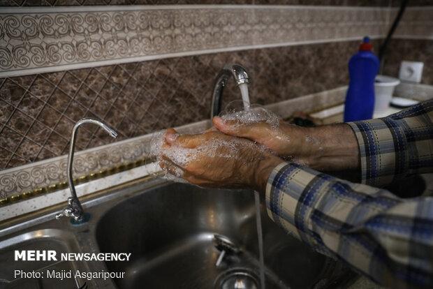 شستن درست و دائمی دست ها یکی از راه های مهم جلوگیری از شیوع کرونا است
