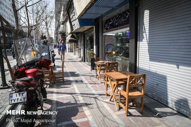 استفاده از میز و صندلی بیرون از فضای رستوران یکی از راه های انتقال ویروس و آلودگی است