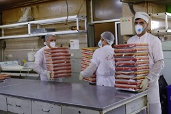 پخت ۱۴۰۰ کیلو شیرینی برای قدردانی از پرستاران خط مقدم کرونا