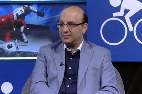 تصمیم هیات رئیسه فوتبال در تعویق انتخابات شبهه برانگیز است/ انصاریفرد باید جواب بدهد
