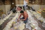 بسته های تبرکات مهدوی به دست نیازمندان اردکان رسید