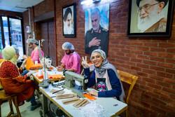 کارگاه تولید ماسک در خانه تئاتر سرو