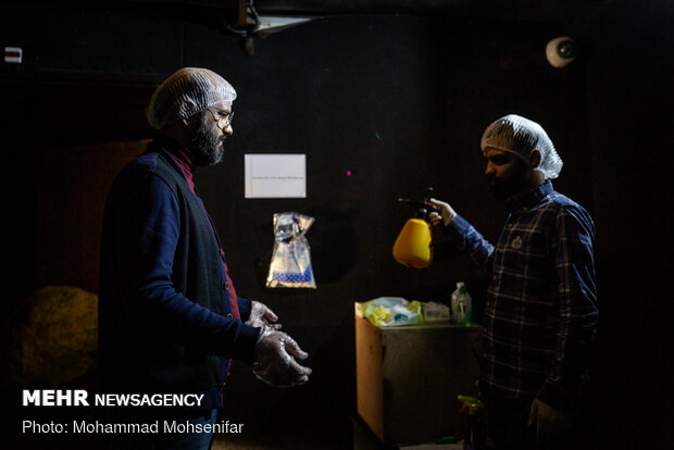 Theater community producing face masks in Tehran