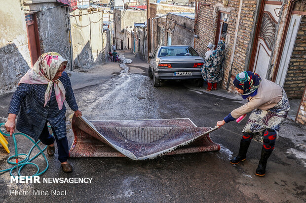 Carpet cleaning on eve of Nowruz in Tabriz