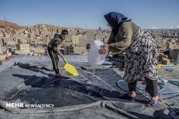 قالیشویی سنتی در حاشیه تبریز