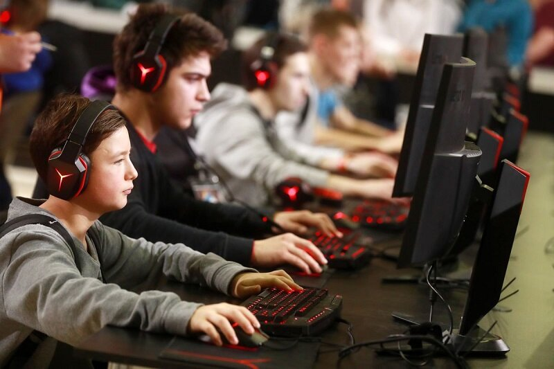 ضرورت سیاستگذاری حاکمیت در سرگرمی دیجیتال/ انتقاد از ارائه پهنای باند رایگان به بازیهای خارجی