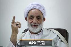 وقتی پیرمردی بیسواد حجت الاسلام قرائتی را نصیحت می کند