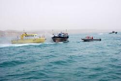 شناور حامل تجهیزات پزشکی قاچاق در خلیج فارس توقیف شد