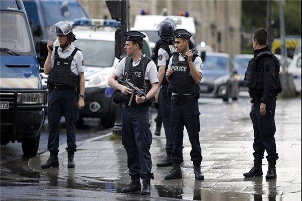 فرنسا تنشر 100 ألف شرطي لتطبيق إجراءات مكافحة كورونا