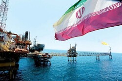President Rouhani calls for plans to minimize crude sales
