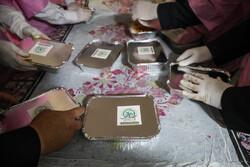 طبخ غذای متبرک رضوی برای بیماران کرونایی و مدافعین سلامت