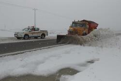 راهداری زمستانی در جادههای بهاری استان قزوین ادامه دارد