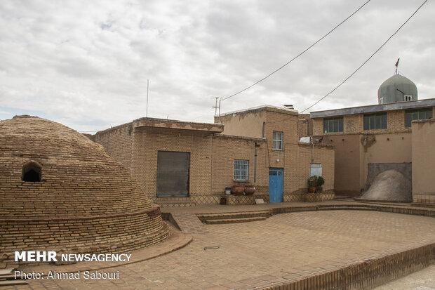 روستای بیابانک سرخه همراه پویش «در خانه بمانیم»