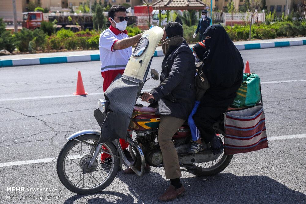 غربالگری مسافران در تنها ورودی باز یزد