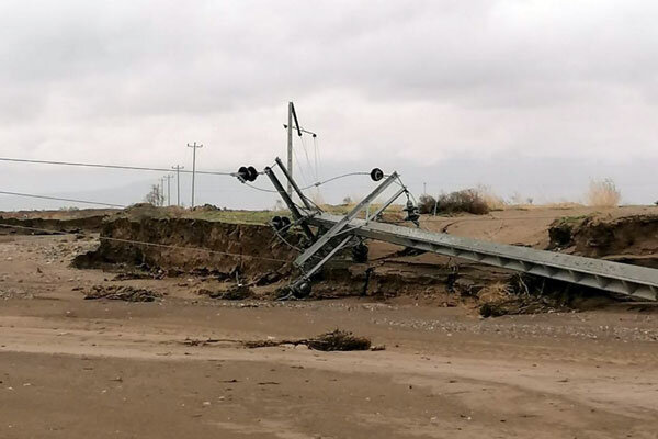 سیل به ۹هزار کیلومتر راه و ۵۵۰۰ ابنیه فنی خسارت زد