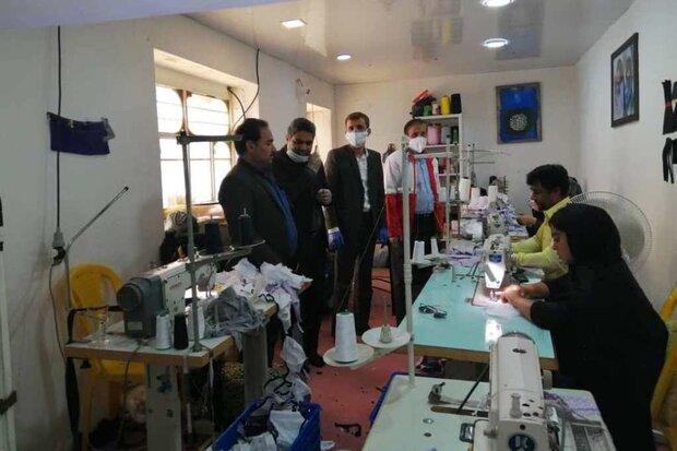 کارگاههای پوشاک در گناوه ماسک تولید میکنند