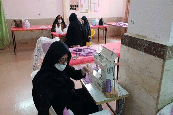 هنرستانهای قزوین در تولید ماسک و اقلام بهداشتی مشارکت می کنند