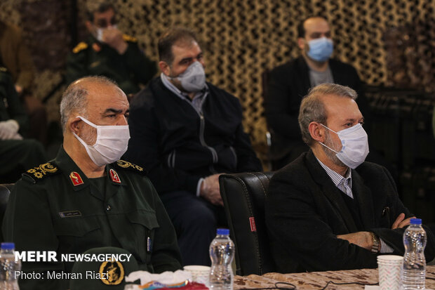 Parl. speaker Larijani visits IRGC temporary hospital