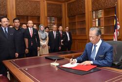 ملائیشیا کا ملک بھر میں زیادہ تر کاروبار کھولنے کا اعلان