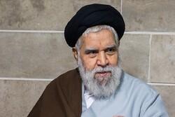 مرحوم هاشمی مجد، خود را وقف خدمات فرهنگی و تربیت طلاب کرده بود