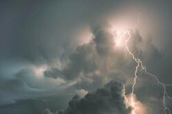 بارش باران همراه با رعد و برق طی ۲ روز آینده در قم