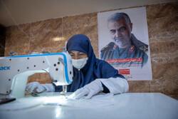 شیراز میں حرم علی بن حمزہ (ع)  میں ماسک اور طبی وسائل کی تیاری