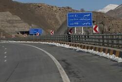 جاده چالوس و تهران-شمال مسدود شد/ کاهش ۲۰.۵ درصدی تردد در جاده ها