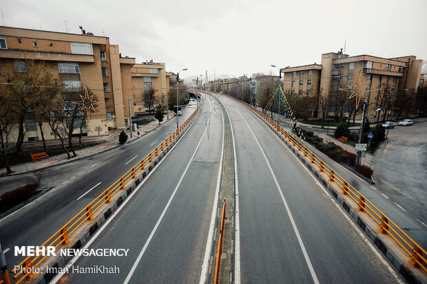 Iranians do not celebrate Nature Day in fight against coronvairus