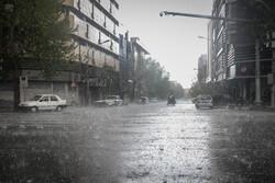 پیش بینی رگبارپراکنده باران، رعد وبرق با احتمال بارش تگرگ وتندباد