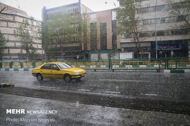 Hailstorm hits Tehran on Thursday
