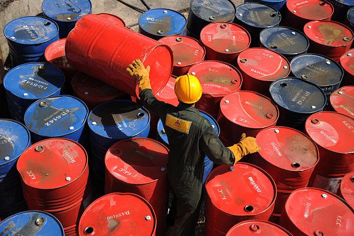 قیمت نفت با تشدید شیوع کرونا در چین و قرنطینههای جدید سقوط کرد