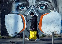 نقاشی دیواری با موضوع کرونا