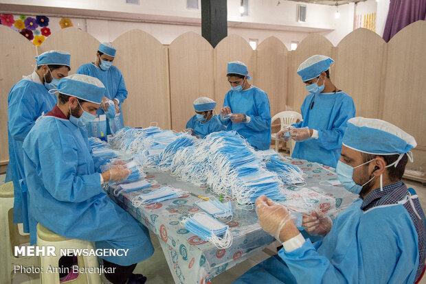 Volunteer groups produce 20,000 masks in Shiraz