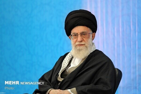 Ayatollah Khamenei congratulates Army on its national day