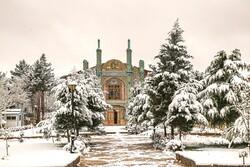 بجنورد میں بہار کے موقع پر برف باری