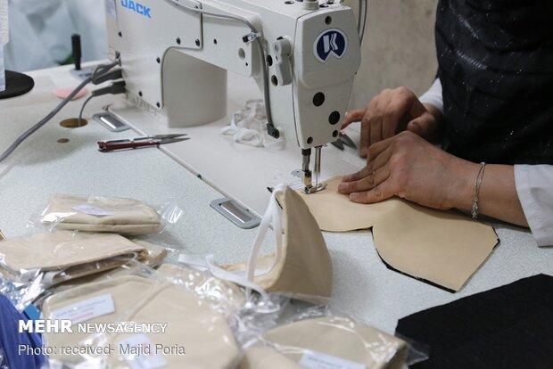 تولید ماسک توسط خادم افتخاری امامزادگان آستارا
