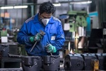 زيادة رواتب العمال في ايران بنسبة 21 بالمائة