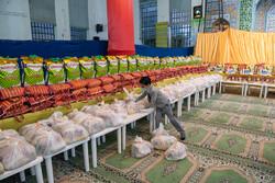 ۱۱۰ بسته مواد غذایی و ضد عفونی در تبریز توزیع شد