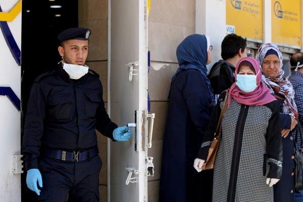 نوار غزه با معضل اِتمام کیتهای تشخیص کرونا دست و پنجه نرم می کند