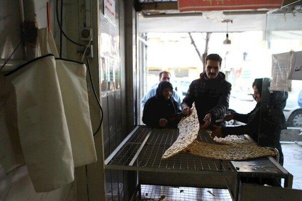 توزیع نان رایگان در ۳۱۳ نانوایی حاشیه شهر مشهد