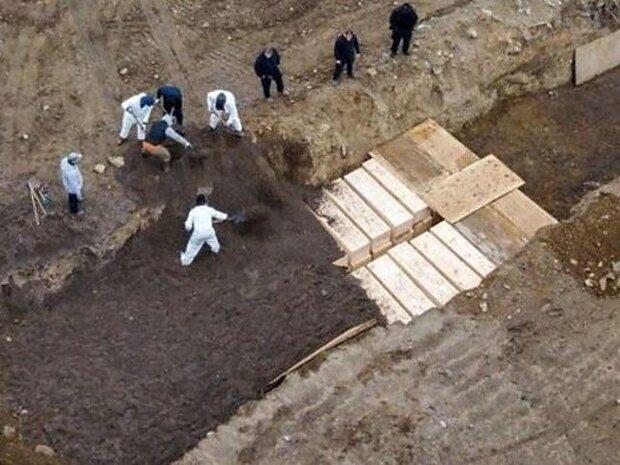 نیوریارک میں 40 افراد کو اجتماعی قبر میں دفن کردیا گيا