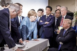 Ineffective Western liberal democracy model, new version of global management