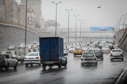بزرگراه های پایتخت همچنان درگیر با ترافیک صبحگاهی