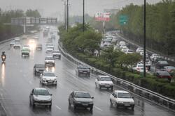 محورهای ۶ استان برفی و بارانی است/ تردد روان در تمامی جادهها